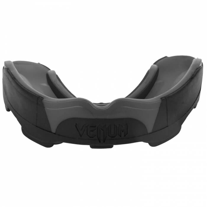Venum Predator Mouthguard, black/black